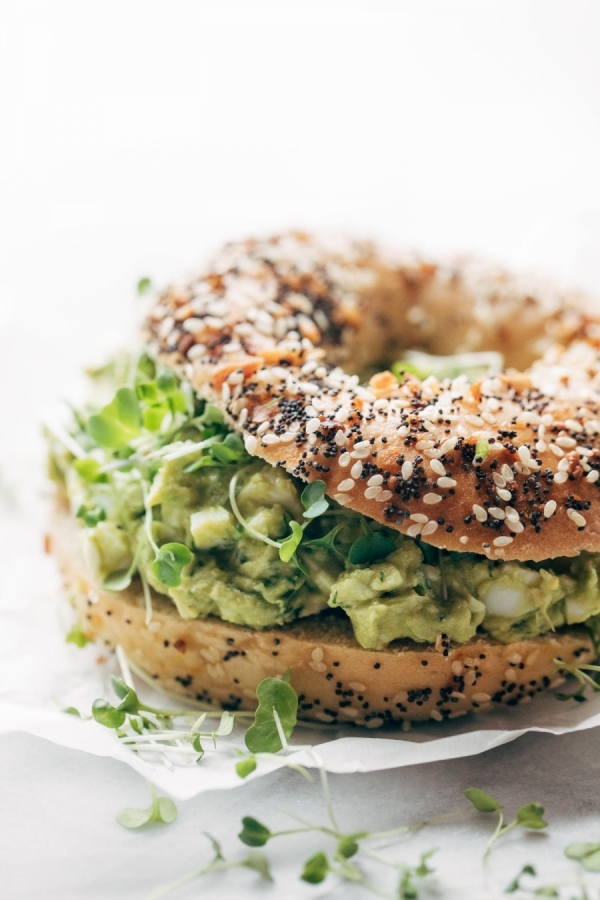 Bagels with avocado cream