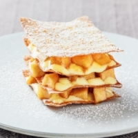 Mille-feuille with apple